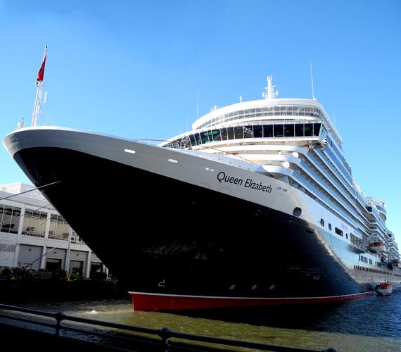 Az egyik legújabb luxushajó, a Cunard Queen Elizabeth-je az angol aranykor világa előtt tiszteleg.