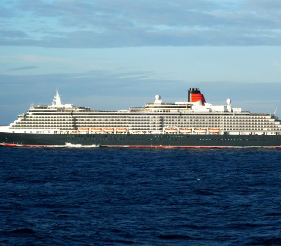 A Queen Victoria nevű luxus óceánjáró a klasszikus kialakítás és az angol elegancia mintapéldája.