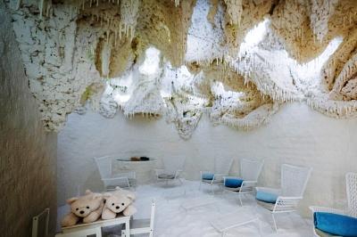 lihethotel-barlang.jpg