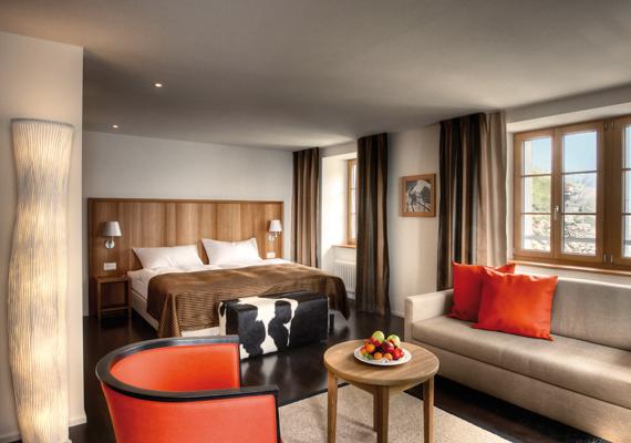 A Hotel Pilatus árai nem magasabbak, mint a hasonló kategóriájú völgybeli szállóké, ráadásul a panorámahotel ablakából az éjjeli égbolt is csak egy karnyújtásnyira van.
