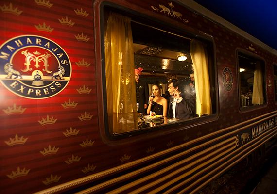 A 88 utasnak helyet biztosító Maharajas' Express-t a világ egyik legszebb luxusvonatának tartják.