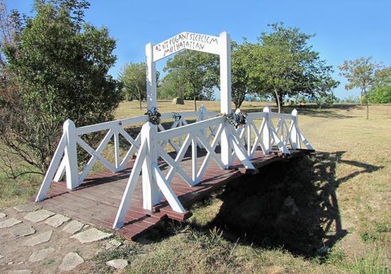 Sokan jönnek ide a Szerelmesek hídja miatt is, ami valószínűleg legendájának köszönhető, mely szerint az itt fogant szerelem örökre szól.