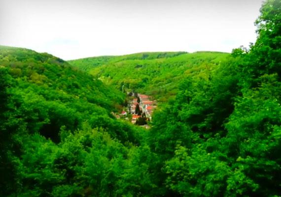 Óbánya gyönyörű, festői környezetben található, Baranya megye igazi ékszerdoboza.