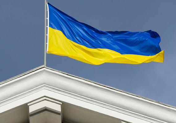 Ukrajnában a helyi népszámlálási adatok szerint 150 ezerre tehető a magyarok száma.