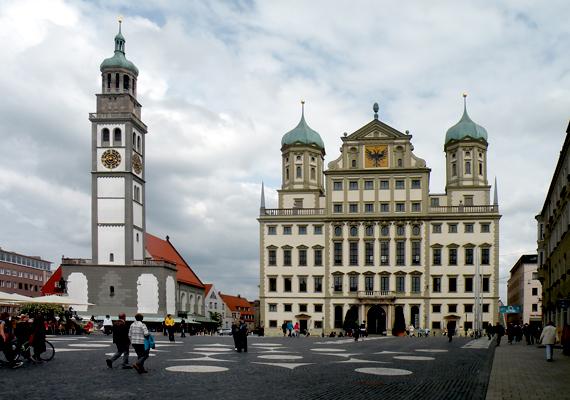 Jelentős számban élnek magyarok Ausztráliában, Új-Zélandon, Ázsiában, Dél- és Közép-Amerikában is, valamint Nyugat-Európában is. Jelentős például a németországi magyarság, az itt élők száma 120 ezerre tehető. Közülük számottevő magyar él Bajorországban, többek között a képen látható Augsburgban is.