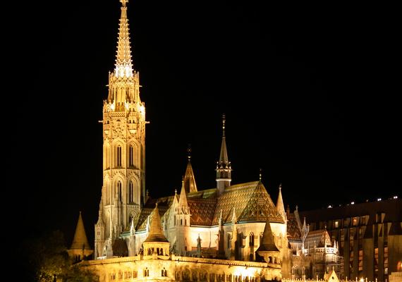 A budapesti Mátyás-templom nagy történelmi múltra tekint vissza, már csak ezért is érdemes karácsonykor ellátogatnod ide.