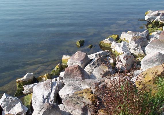 A Balatont nem véletlenül nevezik magyar tengernek, hiszen ez az ország legnagyobb kiterjedésű és az egyik legtisztább vízű turisztikai célpontja.