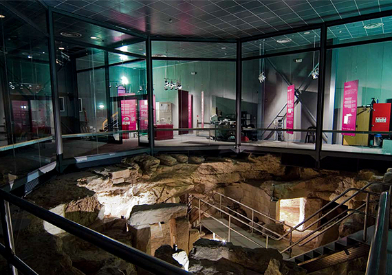 A műemléket ma szigorúan védik, épp ezért a turisták is csak korlátozott számban látogathatják: naponta összesen 80-an, és csak tízfős csoportokban.