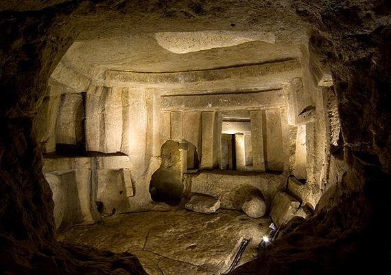 Az UNESCO kulturális örökségek listáján is szereplő föld alatti építmény feltárásakor mintegy hat-hétezer ember csontjait találták meg.