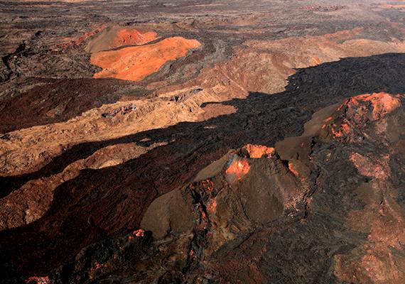 Csakúgy, mint a hawaii Mauna Loa vulkán környéke, amely a szigetek második legmagasabb vulkáni kúpját jelenti. Ha további hasonló helyekre vagy kíváncsi, kattints ide!