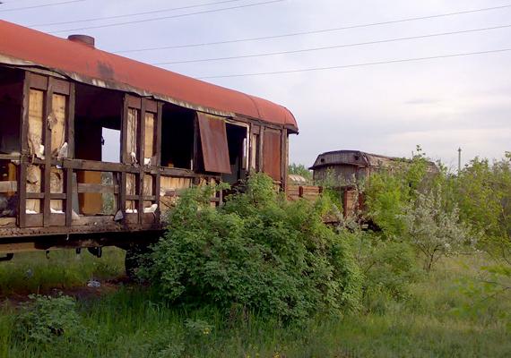 Különleges hangulatot áraszt a vasúti temető.