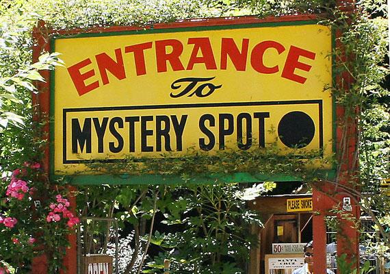 A területet még 1939-ben fedezte fel egy túlélőcsapat, a következő évben pedig már publikálva is lett. A Mystery Spot azóta a turisták kedvenc látványosságai közé tartozik.