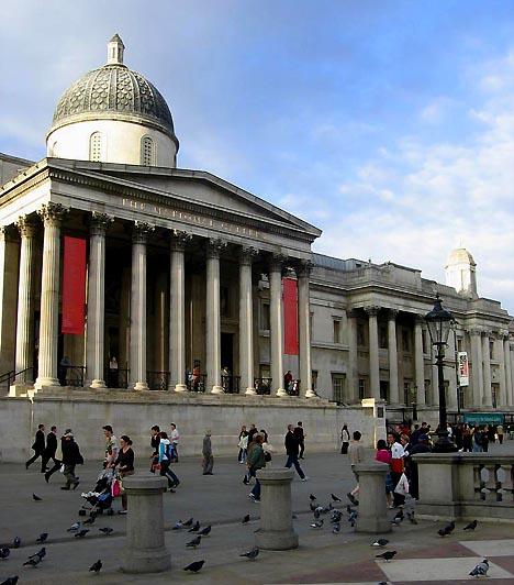 National Gallery, London, Egyesült KirályságA National Gallery-t, vagyis a brit Nemzeti Képtárat 1824-ben nyitották meg. A Trafalgar téren elhelyezkedő klasszicista stílusú palota igen értékes gyűjteménynek ad otthont, mely vetekszik az orosz Ermitázs és a francia Louvre gyűjteményével is. A múzeumot évente 4,6 millióan keresik fel.