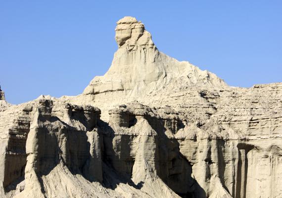 A pakisztáni Hingol Nemzeti Park területét őrzi ez a Szfinx, amelyet szintén a szél és az eső alakított ilyenre.