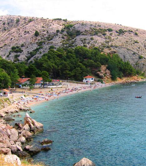 Banculuka  A Banculuka-part és naturista kempingje Vela Luka területén található. Az 1400 férőhelyes kempinget sűrű fenyőerdő, gazdag mediterrán növényzet, nem utolsósorban pedig gyönyörű homokos tengerpart övezi.