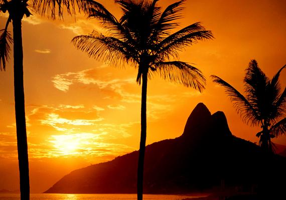 A brazíliai Ipanema strand a világ egyik leghíresebb partszakaszát jelenti. Kattints ide a háttérképért!