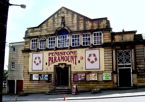 Penistone, melynek hangzásához nem kell sokat hozzáfűzni, szintén Anglia településeinek sorát gazdagítja.