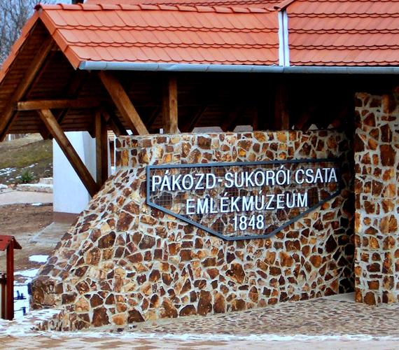 Pákozdon járva azonban mást is érdemes megnézni, itt zajlott le például a híres pákozdi csata, melynek hősei előtt emlékmúzeum tiszteleg.