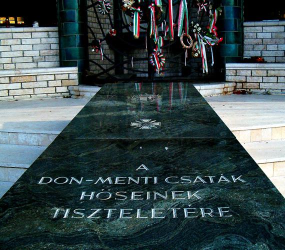 A Don-kanyarban elesett katonáknak emelt emlékmű is híres látnivaló. Kattints ide, és ismerj meg még több fontos, de megrázó magyar helyet!