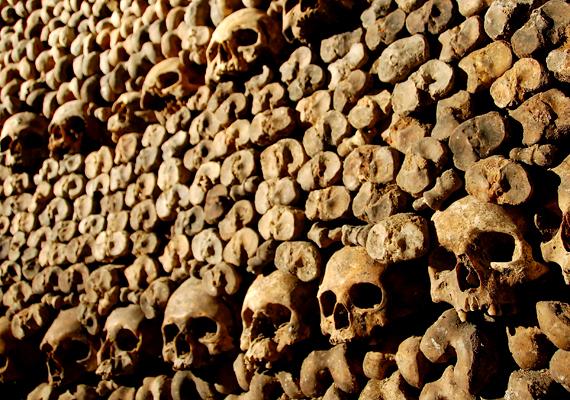 Ma körülbelül hatmillió ember végső nyughelyét jelentik Párizs katakombái.
