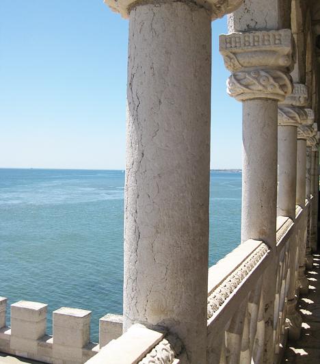 Kilátás a toronyból az Atlanti-óceánra. Érthető, hogy miért is indultak útnak a portugál hajósok, hiszen a nagy kékség igazán hívogató.