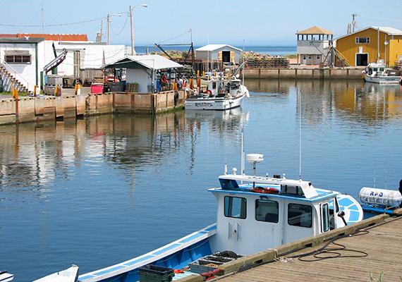 A halászat még ma is fontos szerepet játszik a szigetlakók életében.