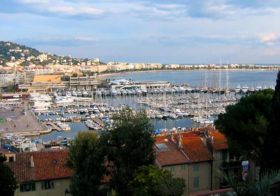 A híres filmfesztivál helyszíne, a tengerparti Cannes meglátogatása is népszerű része a provence-i körutazásoknak.