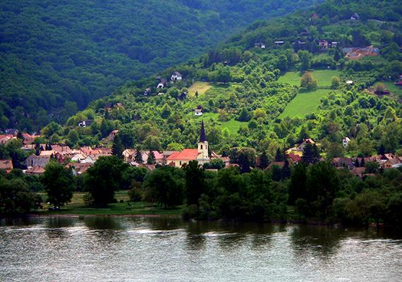 A Budapesttől 45 kilométerre fekvő Dömös önmagában is festői.