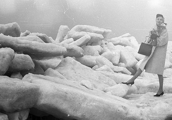 Hatalmasak a jégdarabok a szintén 1966-os fotón.