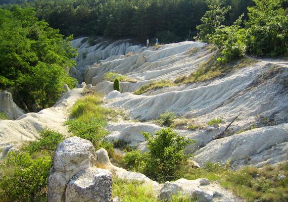 A világon összesen alig több mint hat helyen található a felszínen riolittufa, ezért is lehetünk annyira büszkék rá.