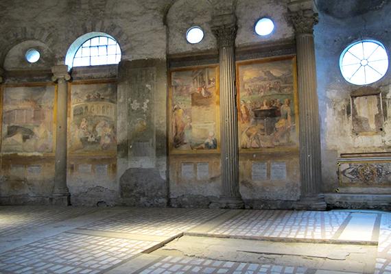 Itt temették el Lászai János főesperest, és magyar zarándokok, közéleti személyiségek is gyakorta keresik fel a templomot.