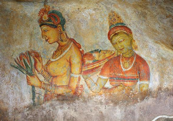 Sigiriya egyik legnagyobb kincsét a falain található, félmeztelen nőalakokat ábrázoló freskók jelentik.