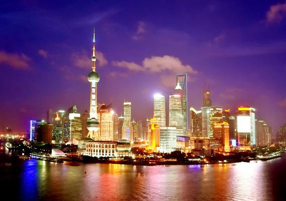 Ugyanez igaz a kínai Sanghajra is, mely saját épületeinek súlya miatt süllyed folyamatosan.