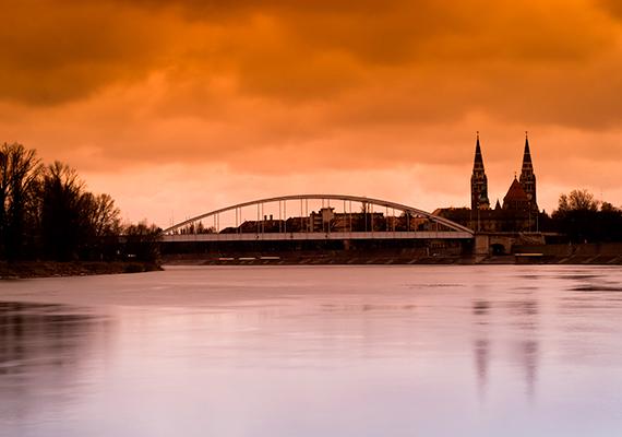 A Csongrád megye székhelyének számító egyetemi város, Szeged az ország harmadik legnépesebb városa, de volt olyan időszak a történelem során, amikor ennél is előkelőbb helyen szerepelt - a századfordulón Budapest után a Magyar Királyság második legnépesebb városa volt.