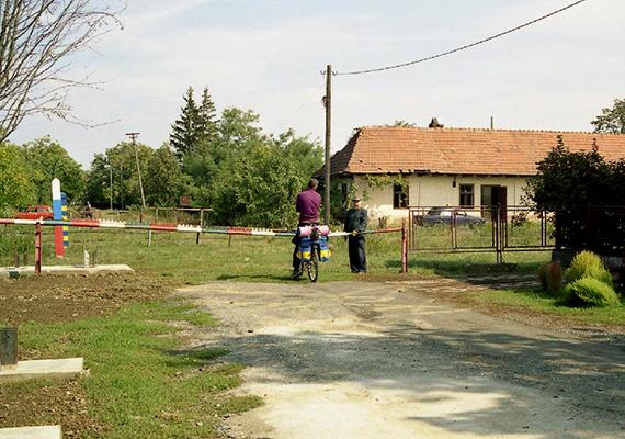 Az egykori Szelmenc mintegy ezer éven át Magyarország szerves részének számított, az első világháború utáni, Párizs környéki békeszerződések azonban megpecsételték sorsát, ekkor ugyanis az akkori Csehszlovákia része lett. Bár később visszacsatolták Magyarországhoz, a második világháború ismét drasztikus változást hozott: eredetileg Csehszlovákiához került volna vissza a település, a Szovjetunió azonban erőszakkal nyugatabbra tolta a határokat, így a falu kettészakadt.