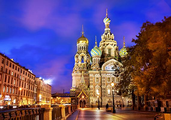 Szentpétervár minden évszakban varázslatos, ősszel épp olyan sajátos hangulata van, mint télen.