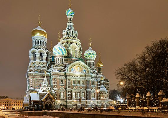 Mintha csak egy orosz mesét idézne: a hóval borított Szentpétervárt is előszeretettel nevezik a tél egyik csodájának.