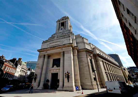 A Freemasons' Hall a szabadkőművesek központja, egyúttal az Angol Nagypáholy legrangosabb tagjainak székhelye volt.