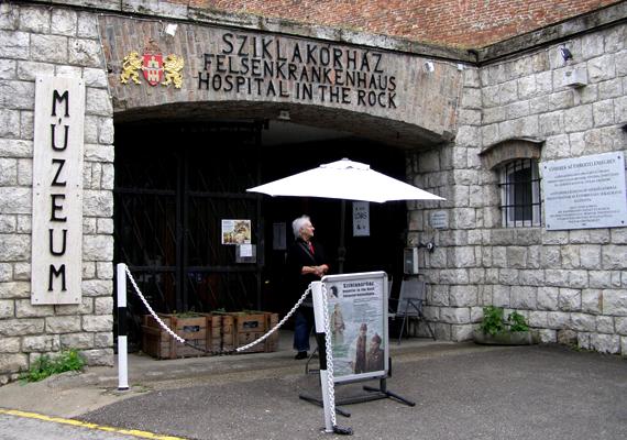 A budai vár alatt található Sziklakórházat a második világháború alatt és után használták óvóhelyként, illetve kórházként.