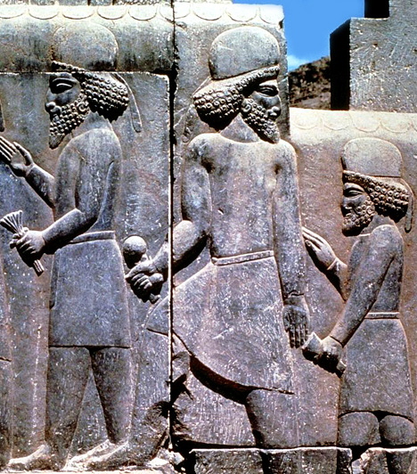 Perszepolisz, IránA perzsák egykori vallási központját, Perszepoliszt, a hatalmas palotavárost I. Dareiosz kezdte el építeni. Annak ellenére, hogy Nagy Sándor i.e. 330-ban kirabolta és felgyújtotta, az épületek még ma is őrzik az egykori gazdagság nyomait.Kapcsolódó cikk:Így néz ki a világ 3 legősibb városa »