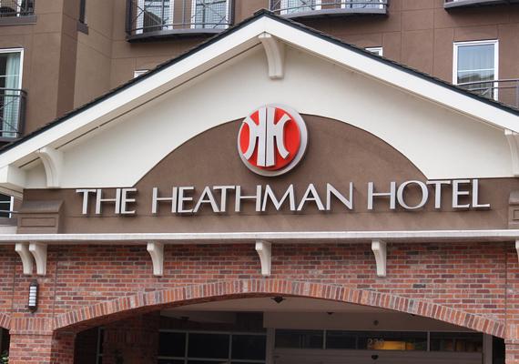 A Heathman Hotel 03-ra végződő szobáiról úgy tartják, hogy kopogó szellemek lakják azokat. Fényképek is bizonyítják a szóbeszédet.