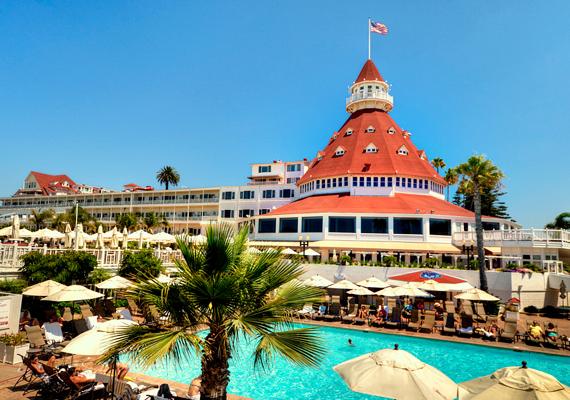 A Hotel del Coronado inkább luxus turistaparadicsomnak tűnik, semmint szellemjárta hotelnek, de paranormális jelenségekből itt sincs hiány.