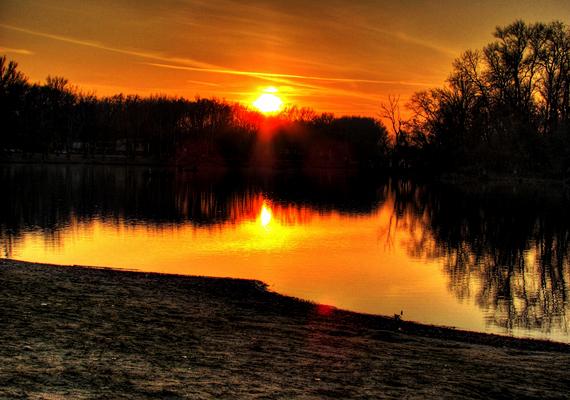Ilyen egy novemberi naplemente Mártélyon. A nagy felbontású képért kattints ide!