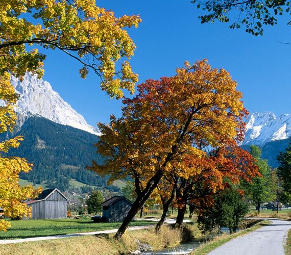 Az ausztriai Tirol tájai egész évben csodásak, az ősz azonban még különösebb hangulatot ad nekik. Kattints ide a háttérképért!