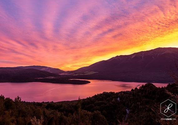 Új-Zéland egyik nagy tava a Rotoiti, mely körül a Nelson Lakes elnevezésű Nemzeti Park található.