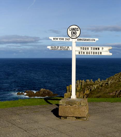 Land's End, AngliaA Cornwall térségében található Land's End hivatalosan is Anglia végét jelöli, ez ugyanis a legnyugatibb pontja. Cornwall azonban nemcsak azok számára jelent tökéletes úti célt, akik látványos tengerparti tájakra kíváncsiak, azoknak is érdemes felkeresniük, akiket vonz a hamisítatlan vidéki hangulat.Kapcsolódó cikk:Hivatalosan itt ér véget a világ »