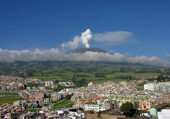 A Galeras a legaktívabb vulkán Kolumbiában, mely az alatta fekvő Pastót számos alkalommal terítette be hamujával. Jelenleg is mintegy 450 ezer embert veszélyeztet.