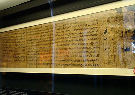 A Vatikáni Múzeum a világ egyik legfontosabb és legnagyobb gyűjteményének számít, amely a római katolikus egyház századok során összegyűjtött kincseit foglalja magában. Számos részből áll, a Vatikáni Képtár és a Sixtus-kápolna mellett azonban érdemes megnézni a Gregorián-Egyiptomi Múzeumot is, ahol többek között érdekes egyiptomi leletek és művészeti alkotások kaptak helyet, nem utolsósorban azonban itt őrzik a halálkultusz talán legjelentősebb ókori egyiptomi emlékét is, a Holtak könyvét, amelyet Halottak könyvének, illetve Halotti könyvnek is neveznek. A különleges kiállítási tárgy olyan varázsigéket tartalmaz, amelyek a holtakat a túlvilágra kívánják átsegíteni, számos babona és mendemonda kötődik azonban hozzá. Ha többet szeretnél tudni róla, kattints ide!