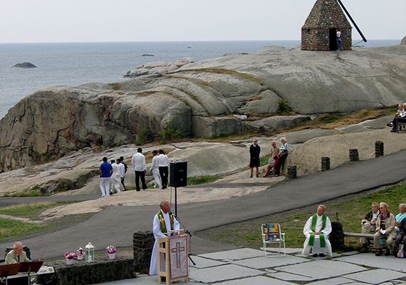 Verdens Ende a környék legfestőibb látványát tárja a látogatók elé, de nem véletlen, hogy maga a Tjøme-sziget is igen népszerű kirándulóhelyet jelent.