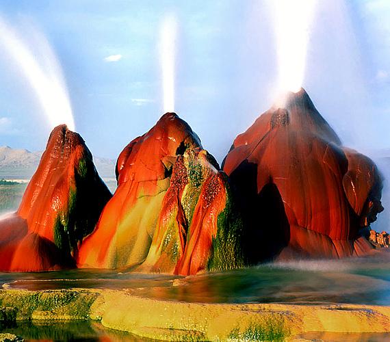 A gejzír a magánterületként számon tartott Fly Ranchen található, Gerlach-tól 32 kilométerre északra, az amerikai Bad Rock sivatagban.